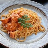 時間が無くてもリッチ気分が味わえる蟹のトマトクリームパスタ