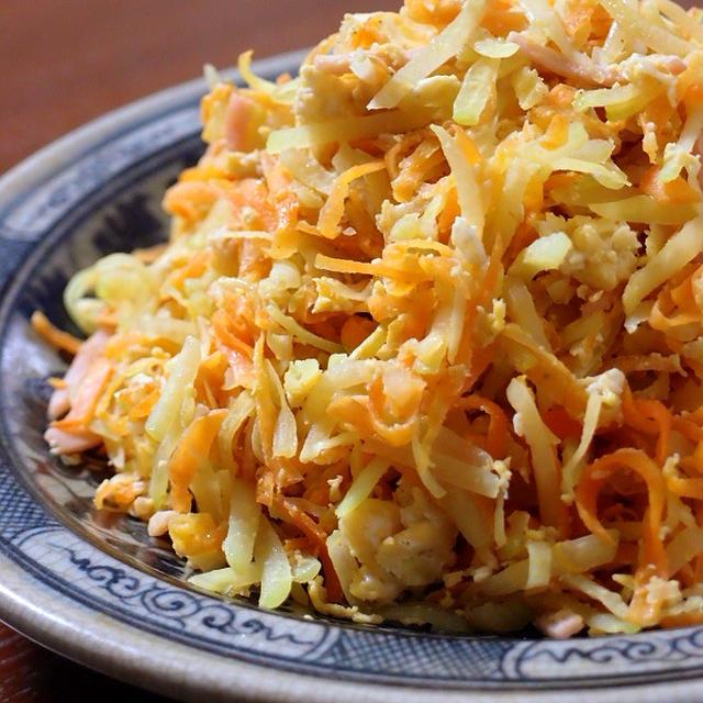 パパイヤイリチー(青パパイヤの炒め物) ~ 青パパイヤは野菜です