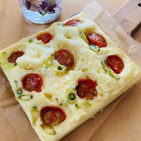 お花畑のミニトマト蒸しパン