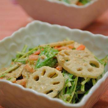 しゃきしゃきレンコンと 水菜のごまマヨサラダ☆