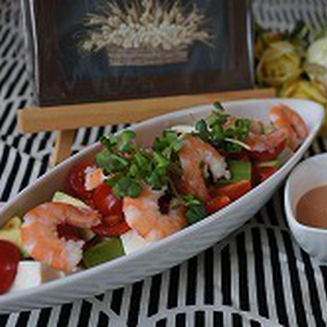 豆腐とアボカドで作る美人サラダ