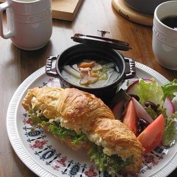 ストウブで♪ 白菜とベーコンのスープと、クロワッサンサンド