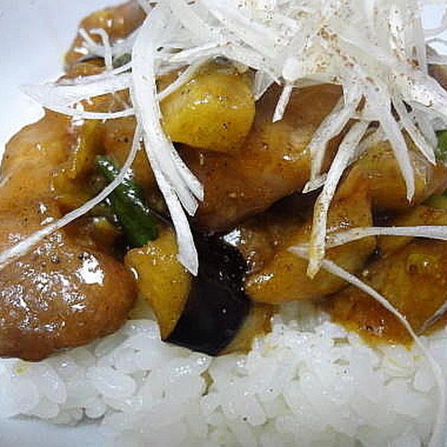 6/24の晩御飯 豚肩マリネで☆夏野菜丼、丸ごと玉ねぎの洋風辛子味噌がけ。