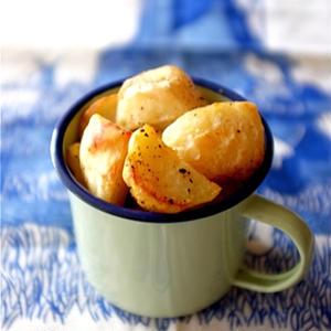 カリカリほくほく香ばしい♪「ローストポテト」レシピ