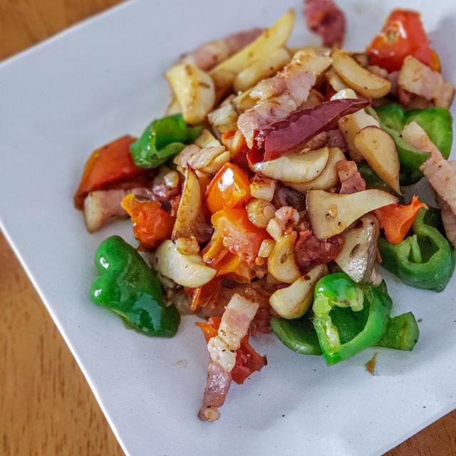 豚肉とエリンギのペペロンチーノ炒め