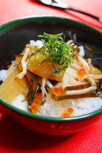 家でリッチな海鮮丼 ドジョウの甘辛煮