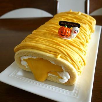 失敗のかぼちゃクリームだけど…逆にハロウィンっぽいロールケーキ♪