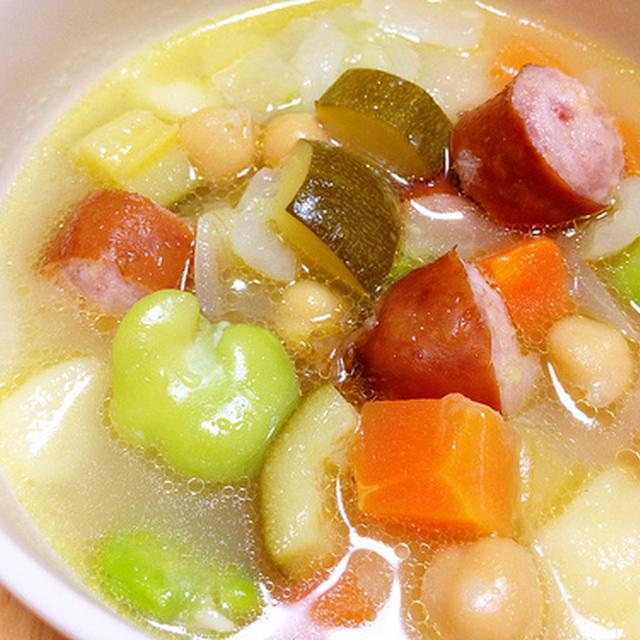 ソーセージといろいろ野菜のスープ