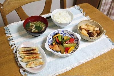 彩り野菜のトマト煮とたけのこときのこの煮ものでうちごはん(レシピ付)