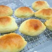 ミルクたっぷり☆魚肉ソーセージパン