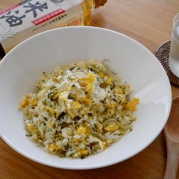 「米油」であっさり!高菜漬けとじゃこの炒飯