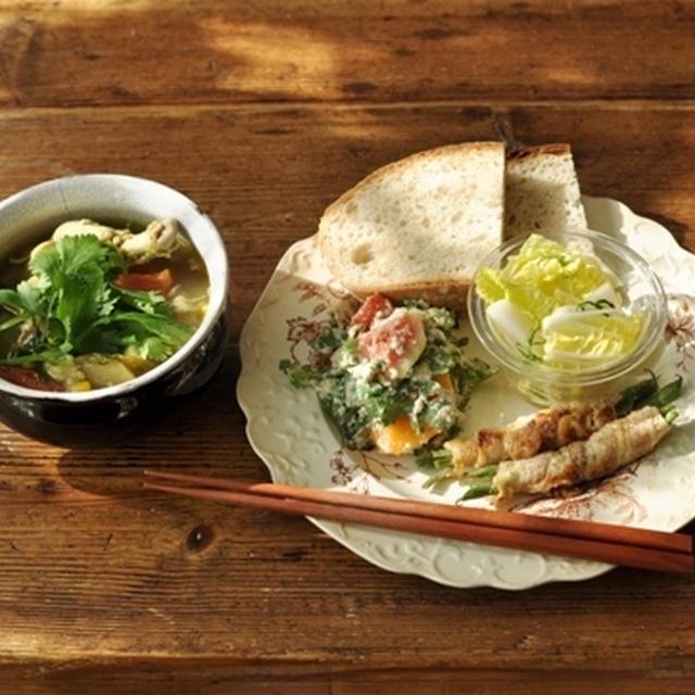 一汁三菜ごはん ◆冬瓜・鶏肉など 色々野菜のスープ(カレー風味)、インゲンの豚巻き 塩麹焼き、白菜と梨のサラダ、春菊・無花果・柿の白和え