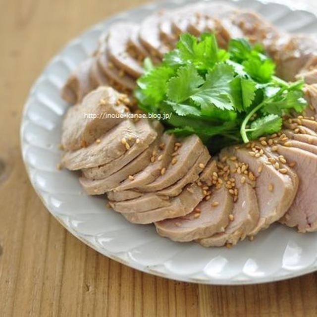≪レシピ≫豚ひれのレンチンチャーシューと、目専用美容液について