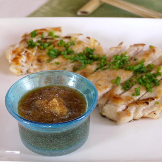 ジューシー鶏むね肉のかぶおろしポン酢。 ホクホクにんにく醤油かぼちゃの晩ご飯。
