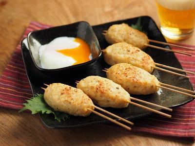 鶏むね肉で塩つくね焼き鳥、温泉卵添えの作り方、動画