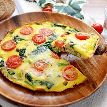 【朝食に最適!野菜たっぷり プロのオープンオムレツ】