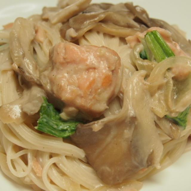 素麺でクリームパスタ風  野菜のコンソメスープ