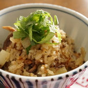 秋の味覚を一足先に♪さんまの缶詰めで作るお手軽炊き込みご飯レシピ