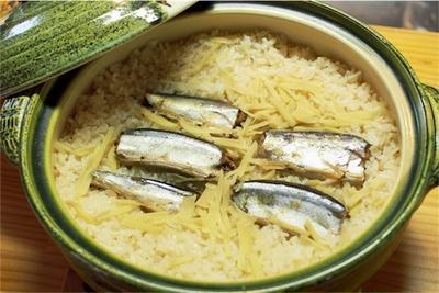 秋といえば秋刀魚!簡単炊き込みご飯