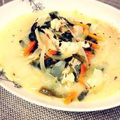 野菜たっぷり!鶏胸肉でハーブ入りスープパスタ