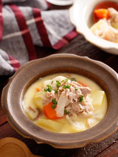 豚肉とたっぷり野菜の味噌バタースープ【#簡単 #時短 #節約 #ご飯にもパンにも合わせやすい #おかずスープ #スープ】