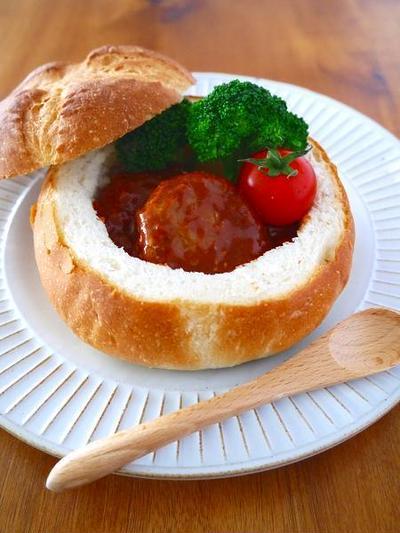 煮込みハンバーグポットパン♪クリスマスパーティーに作りたい簡単おもてなしレシピ!お子様も女子も大喜び