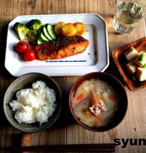 【簡単!!カフェごはん】鮭のカリカリ焼きめんつゆバター定食