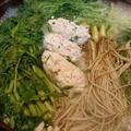 野郎飯流・三関せり、春菊、クレソン、水菜とつくねの鶏鍋