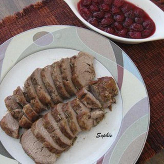 豚のフィレ肉ロースト・グースベリーコンポート添え