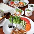 鶏もも肉と春巻きの皮で北京ダック風。