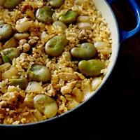 スパイスでお料理上手・・簡単そら豆のパエリアにゃ♪
