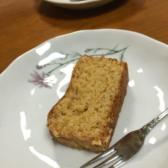 バターを使わない全粒粉の柚子パウンドケーキ^^  12/8(火)