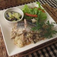 秋の夕食ワンプレ♪焼き秋刀魚ときのこのガーリック風味混ぜご飯