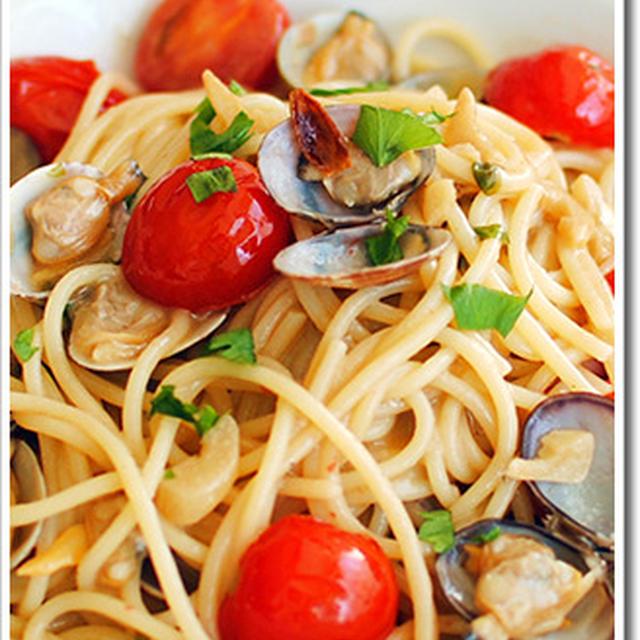 ミニトマトの形を残したボンゴレロッソのスパゲッティ