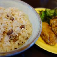 とがずに炊けるお赤飯と【お酢でふっくら唐揚げ】