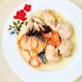 手羽ウィングとサーモンと里芋のクリームシチュー