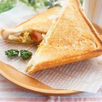 【スパイスアンバサダー】キャベツと人参と魚肉ソーセージのカレーマヨホットサンド