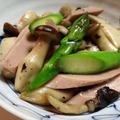 茸とアスパラと魚肉ソーセージ炒め