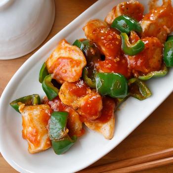 【レシピ】ピリ辛でやみつき♫『鶏肉とピーマンのチリソース炒め』