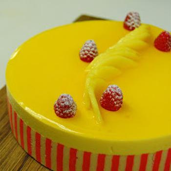 Mango&Passion Fruits with raspberry cream