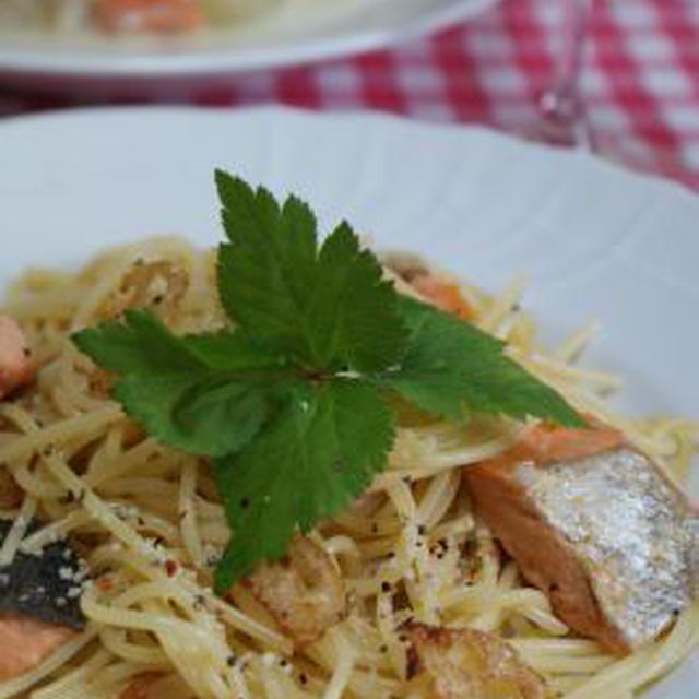 「オイルサーディンとにんにくの芽の炒飯」「鮭とレンコンのパスタ」