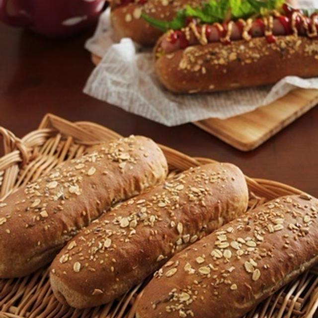 マルチシリアル入りのドッグパンで、ホットドッグ!