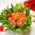 クックパッドニュースで掲載【生ハムとサーモンで母の日ブーケサラダ】 by とまとママさん