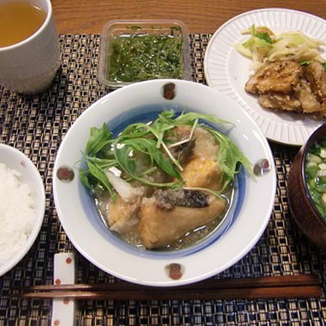 ブリの揚げおろし煮&揚げゴボウとレンコンの甘ダレ絡め&セロリと燻製イカのサラダの定食♪カボチャプリン付き♪