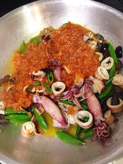 ヤリイカのスパゲッティ、トマトソース。