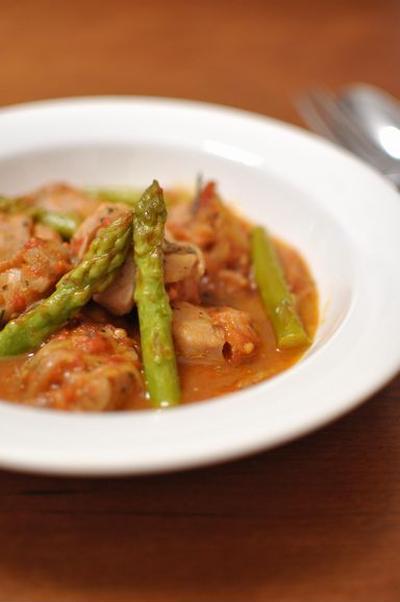 鶏肉とアスパラガスのトマト煮