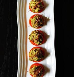 トマトとアボカドの中華風ワカモレ。