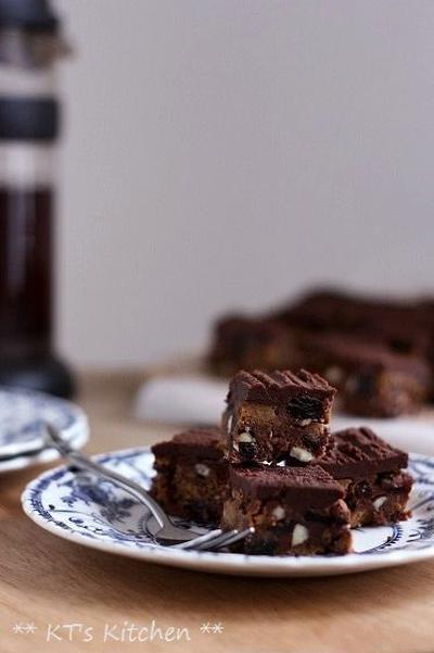 ナッツ&ドライフルーツのチョコケーキ