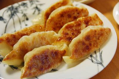 海老と鶏ミンチの焼き餃子の作り方
