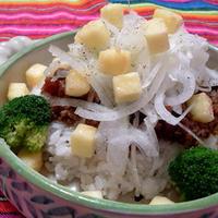 小岩井 こんがり焼けるチーズ&オニオンタコライス